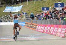 Victoria de Nans Peters en la etapa de 17 en el Giro d'italia