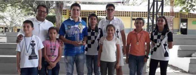 Fiesta escolar del ajedrez en Tarqui