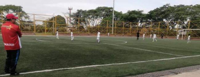 Con nueva estrategia, se reanudó liga de fans de fútbol opita