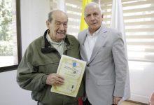 Reconocimiento de la Federación Internacional de Educación Física a educador colombiano