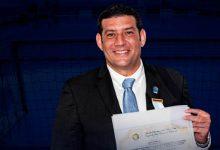 Presidente de Federación de Natación, a comisión internacional