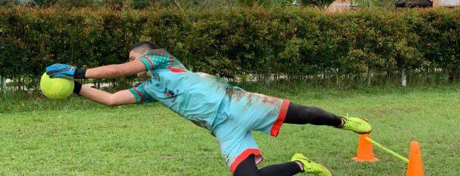 Iván Toledo se alista para su segundo juego en España