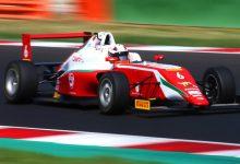 Montoya dentro de los 10 primeros en la F4 Italiana
