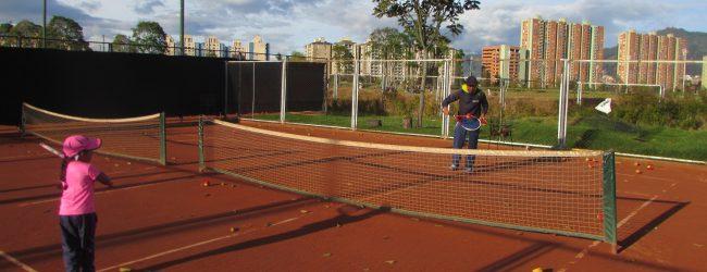 Este lunes reabre sede deportiva de la Federación de tenis