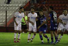 Huracán empató con nuevo técnico, Moya fue titular