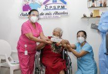 Comenzó vacunación contra el COVID 19 a adultos mayores en Neiva