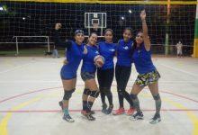 Cumplido torneo 4 x 4 de voleibol femenino