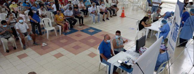 COVID19: comienza vacunación de mayores de 55 años