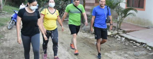 Caminata ecológica en zona rural de Campoalegre