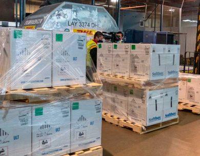 COVID 19: llegaron más de 300.000 vacunas de Pfizer